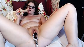 Matured Dominika old pussy gaping with the addition of masturbation
