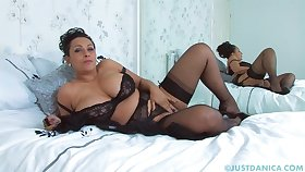 Big ass mature Danica Collins loves pleasuring her pussy on the bed