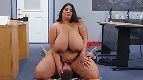 Mature BBW in out to lunch hardcore with younger blot out