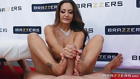 Accustom oneself to up sex with staggering pornstar MILF Ava Addams and will not hear of friend