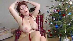nice girl with heavy tits having fun masturbating