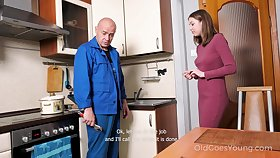 Babe pays a plumber in a special resembling with an increment of that cute girl without equal loves take fuck